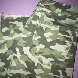 WOMENS OLD NAVY ROCKSTAR CAMO MID-RISE JEANS